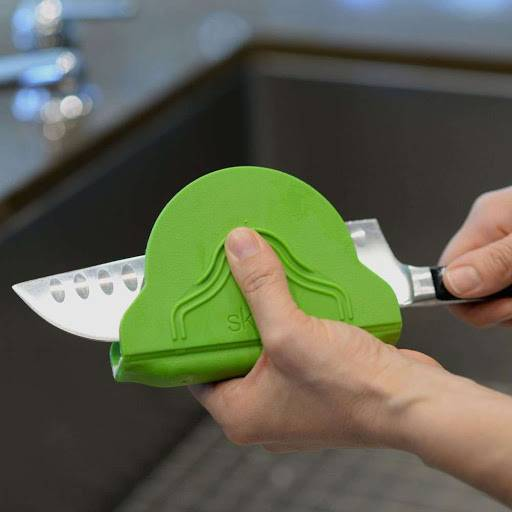 Cool Finger Protecting Knife Cleaner https://gadkit.com