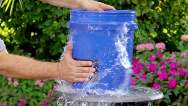 FLEX TAPE | Super strong waterproof Super-Strong-Waterproof-Repair-Tape-Gadkit-1-2 - YouTube