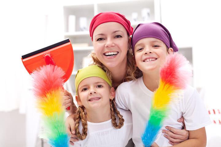 Fruehjahrsputz mit Kindern | © panthermedia.net / ilona75