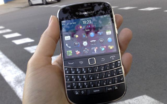 BlackBerry Bold 9900, integrada con las redes