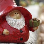 Papa Noel prepara los regalos de los niños