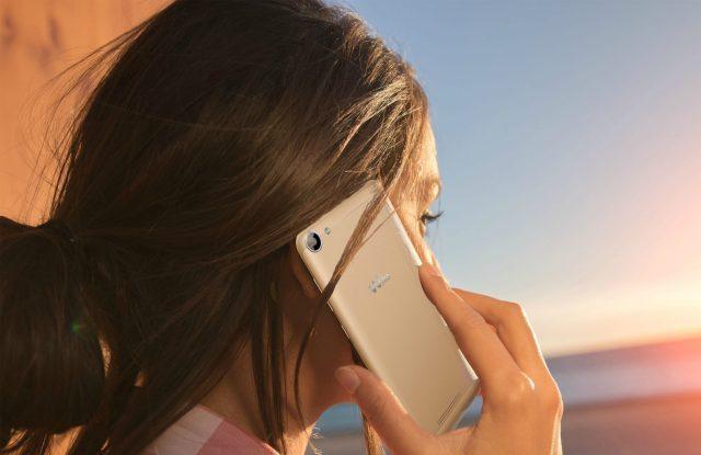 Usuaria smartphone