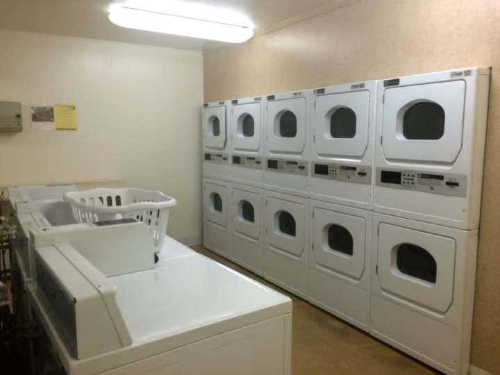 (je me suis dit que vous aviez peut être envie de voir ma laverie, sait-on jamais!)