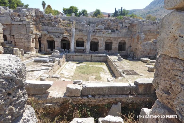1 Antica Corinto Fontana P1040857.jpg