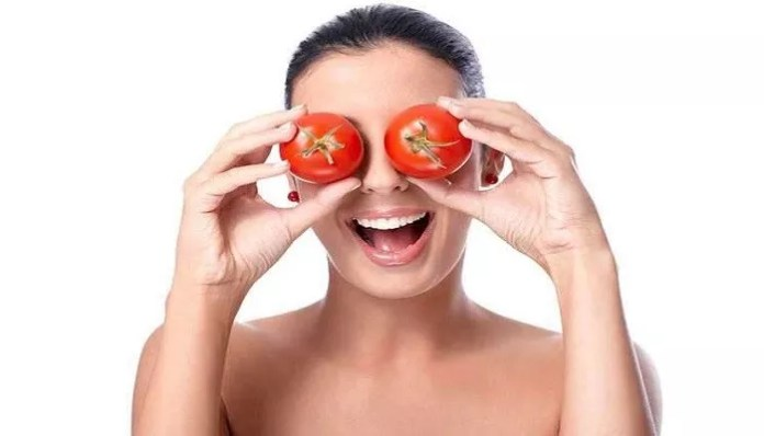 Tomatoes method for dark circles