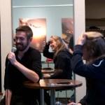 Tonsättarsamtal: Esaias Järnegard och Johanna Persson tar sig för pannan när de försöker prata musik.