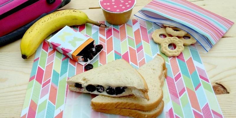 Sweetened Berry and Cream Cheese Sandwich