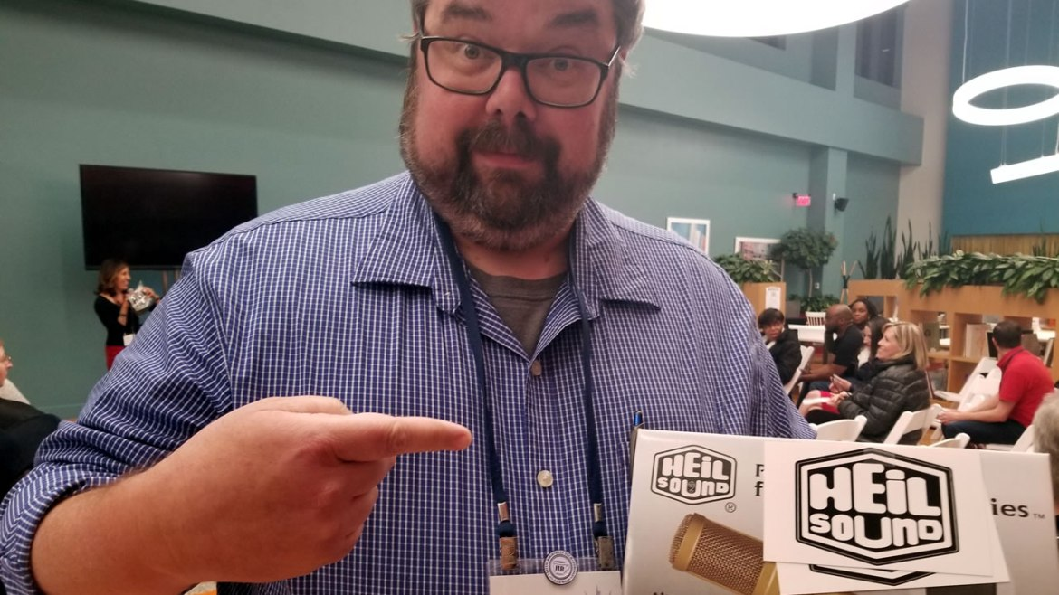 Gagglepod.com - Jon Thurmond wins Heil Sound PR40 at DC Podfest 2018