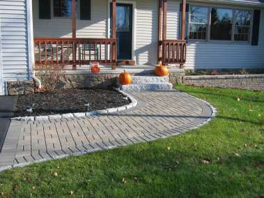 Hollandstone Fieldstone Blend w/ Charcoal Border