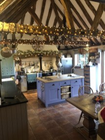 Affordable English Country Kitchen Decor Ideas 03