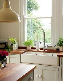 Affordable English Country Kitchen Decor Ideas 39