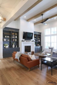 Astonishing Living Room Ideas For Your Apartment 23