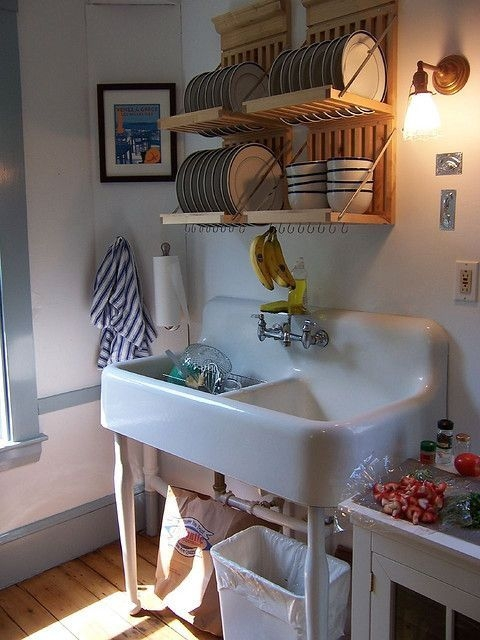 Beautiful Dish Rack Ideas For Your Small Kitchen 38
