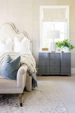 Captivating Farmhouse Bedroom Ideas 35