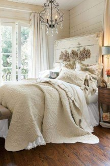 Captivating Farmhouse Bedroom Ideas 42