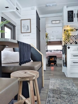 Cool Rv Decoration Ideas You Can Try 52