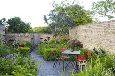 Perfect Home Garden Design Ideas That Make You Cozy 44