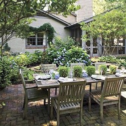 Wonderful Outdoor Dining Room Ideas With Rural Style 02