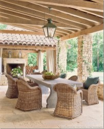 Wonderful Outdoor Dining Room Ideas With Rural Style 05