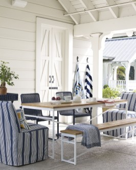 Wonderful Outdoor Dining Room Ideas With Rural Style 15