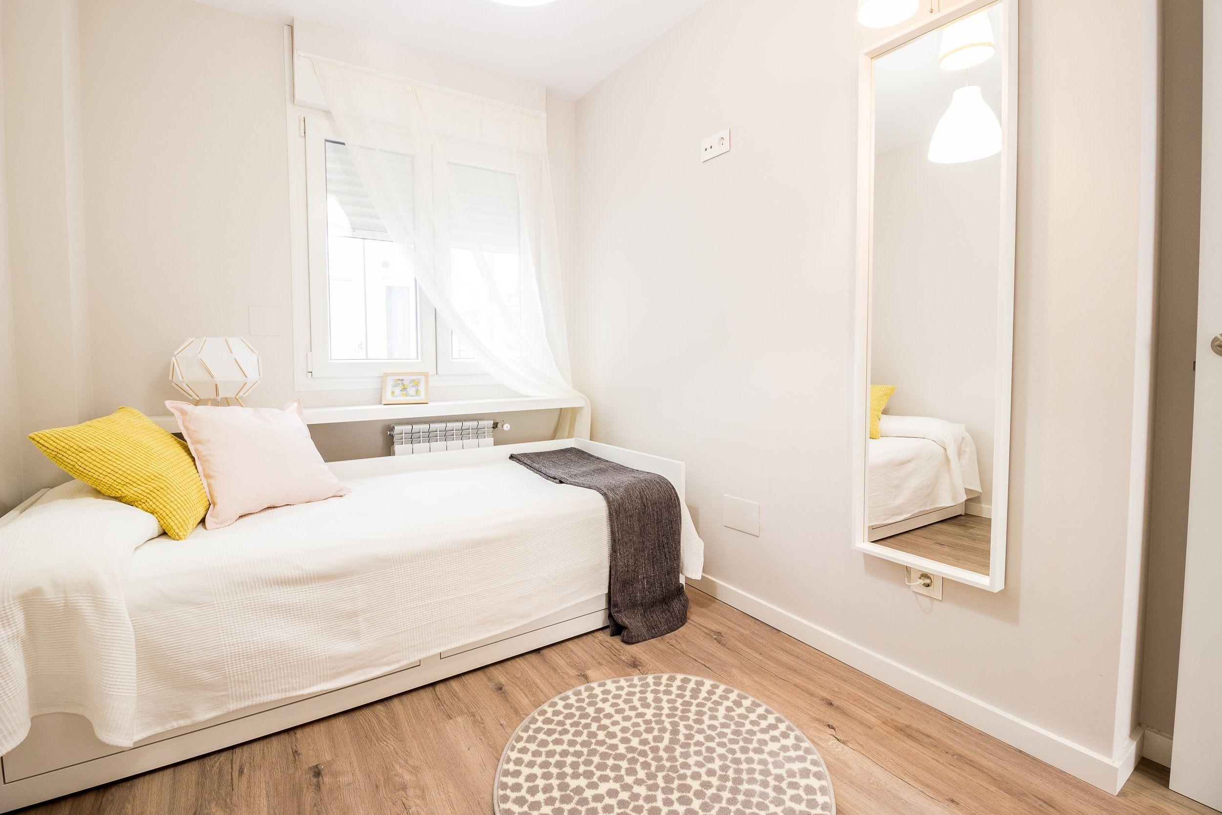 Astonishing Rental Apartment Decorating Ideas 44