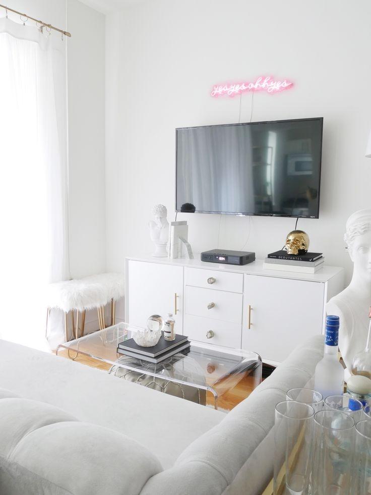 Astonishing Rental Apartment Decorating Ideas 47