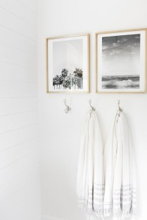 Brilliant Art Ideas For Bathroom To Try 21