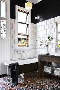 Brilliant Art Ideas For Bathroom To Try 22