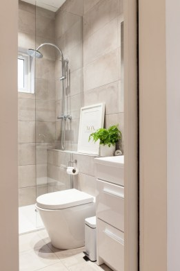 Classy Bathroom Design Ideas With Little Space 06