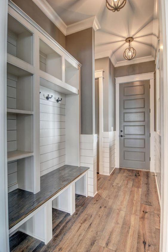 Cozy Laundry Room Storage Design Ideas 11