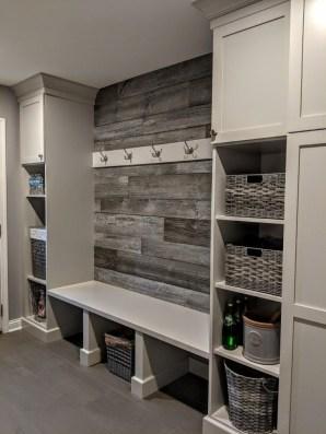 Cozy Laundry Room Storage Design Ideas 18