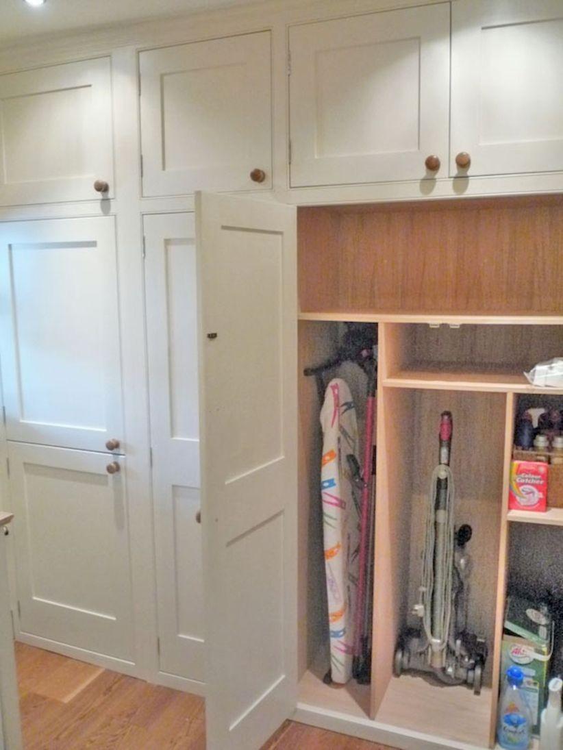 Cozy Laundry Room Storage Design Ideas 20