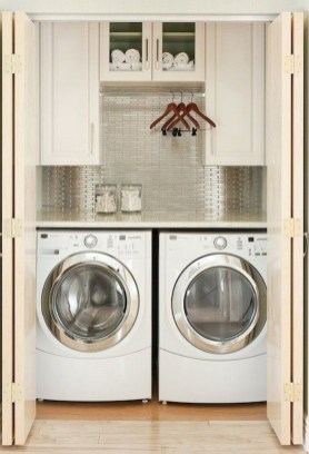Cozy Laundry Room Storage Design Ideas 24