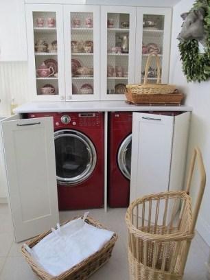 Cozy Laundry Room Storage Design Ideas 27