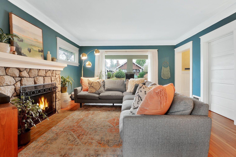 Extraordinary Living Room Design Ideas With Floor Granite 07