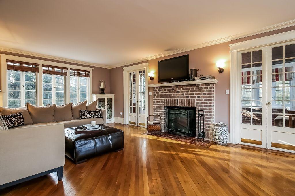 Extraordinary Living Room Design Ideas With Floor Granite 24