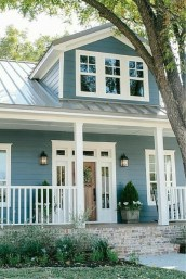 Incredible Farmhouse Exterior Ideas With Metal Roof 14