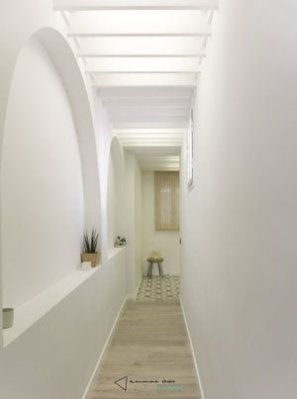 Marvelous Home Corridor Design Ideas That Looks Modern 06