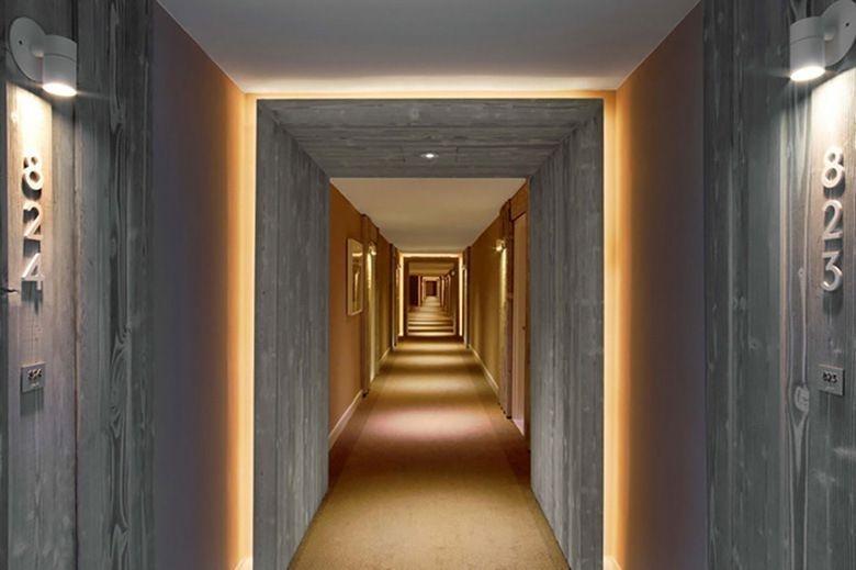 Marvelous Home Corridor Design Ideas That Looks Modern 13