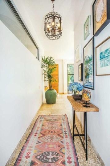 Marvelous Home Corridor Design Ideas That Looks Modern 15