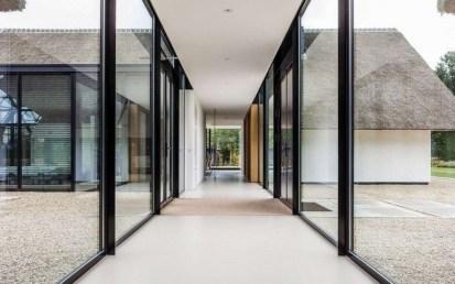 Marvelous Home Corridor Design Ideas That Looks Modern 16