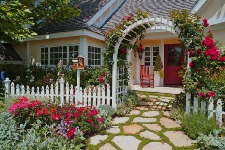 Wonderful Front Yard Ideas With Contemporary Fence 26