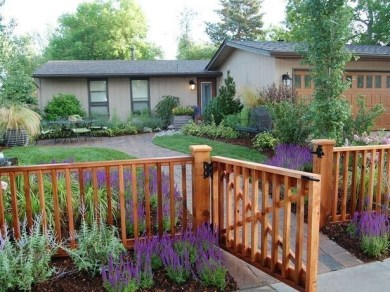 Wonderful Front Yard Ideas With Contemporary Fence 34