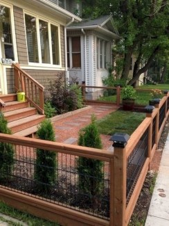 Wonderful Front Yard Ideas With Contemporary Fence 47
