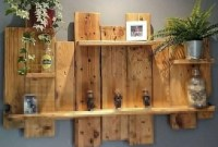 Chic Diy Pallet Wall Art Ideas To Try 40