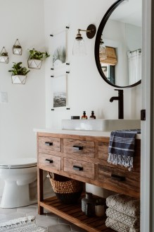 Comfy Bathroom Decor Ideas To Try This Year 03