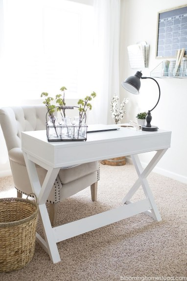 Creative Farmhouse Desk Ideas For The Home Office To Try 27