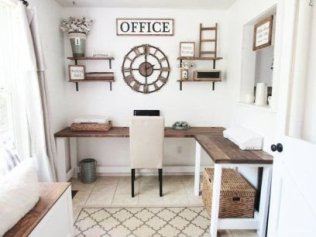 Creative Farmhouse Desk Ideas For The Home Office To Try 42