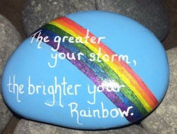 Fascinating Painted Rocks Quotes Design Ideas 05