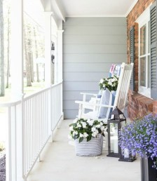 Lovely Summer Decorating Ideas For Front Porch 18